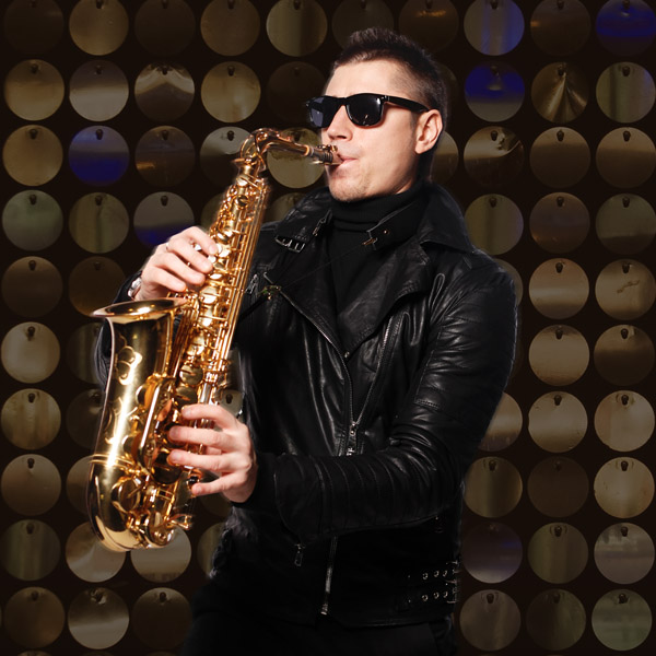 russian-night-dj-team-oneill-sax